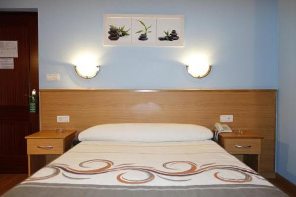 Hotel Reyes De Leon - фото 4