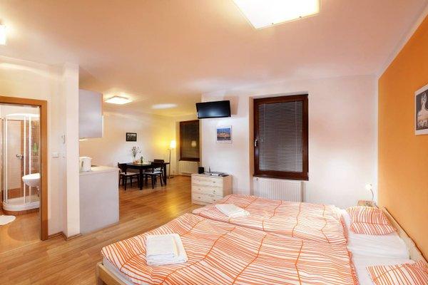 Orange & Yellow Apartments - фото 50