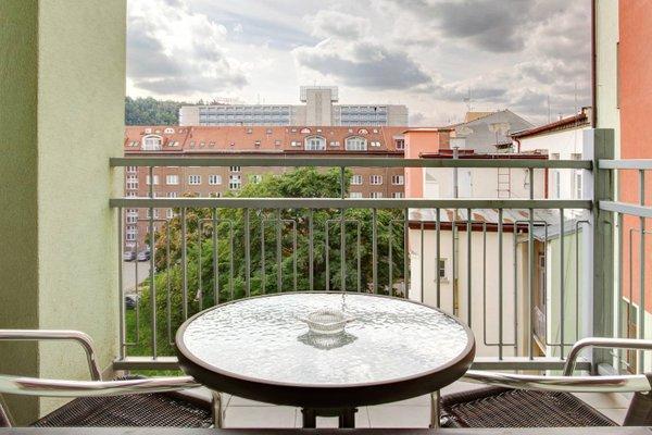 Orange & Yellow Apartments - фото 11