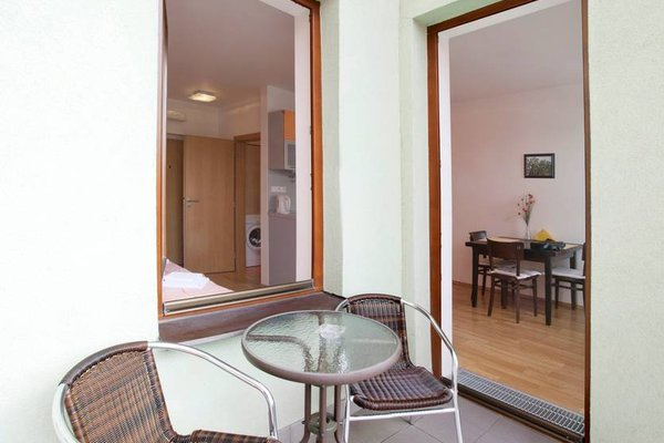 Orange & Yellow Apartments - фото 17