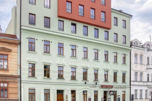 Orange & Yellow Apartments - фото 22