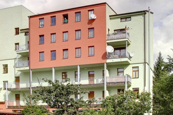 Orange & Yellow Apartments - фото 23