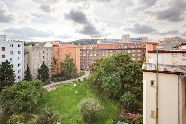 Orange & Yellow Apartments - фото 5