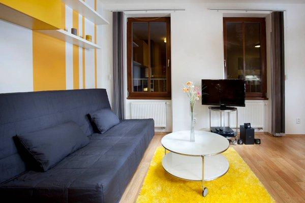 Orange & Yellow Apartments - фото 7