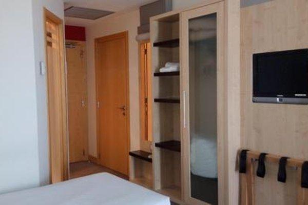 B&B Hotel Girona 3 (ех. Holiday Inn Express Girona) - фото 11