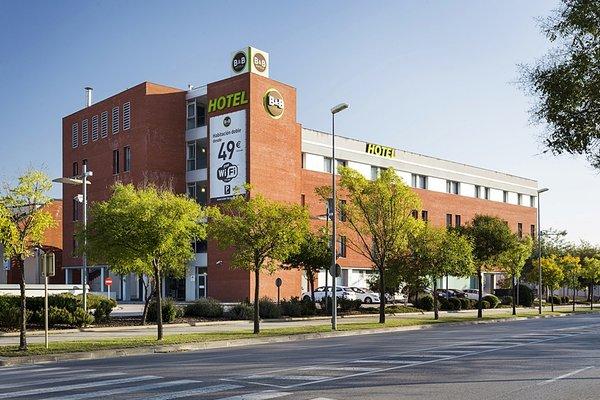 B&B Hotel Girona 3 (ех. Holiday Inn Express Girona) - фото 22
