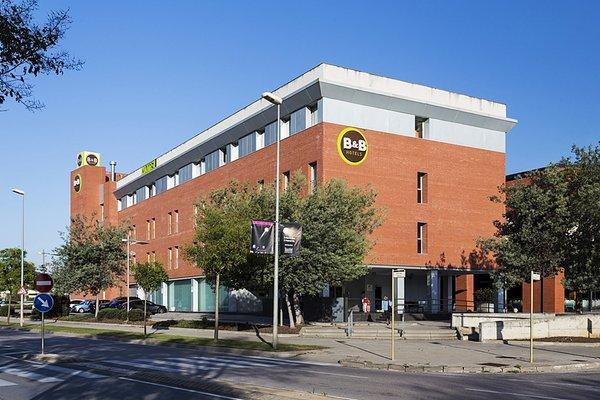 B&B Hotel Girona 3 (ех. Holiday Inn Express Girona) - фото 23