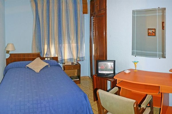 Hotel Residencia Gran Via - фото 3