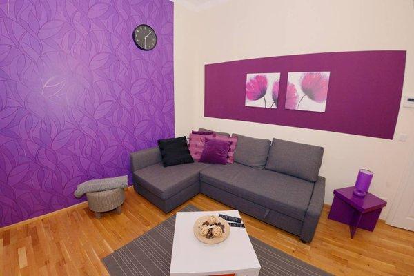 Joe's Apartments - 1010 - 10