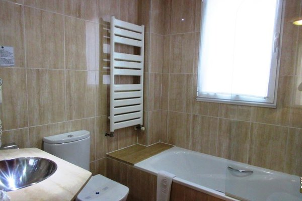 Hotel Confort Oviedo - 9