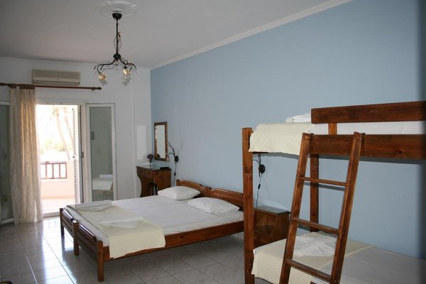 Tassoula Rooms - фото 3