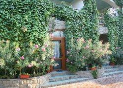 Фото 1 отеля Бунгало у Романа - Судак, Крым