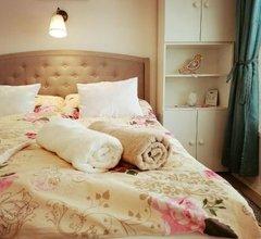 Elisoria Apartments