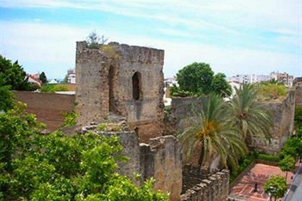 Hostal El Castillo - фото 8