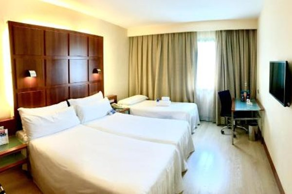 Tryp Valencia Azafata Hotel - фото 17