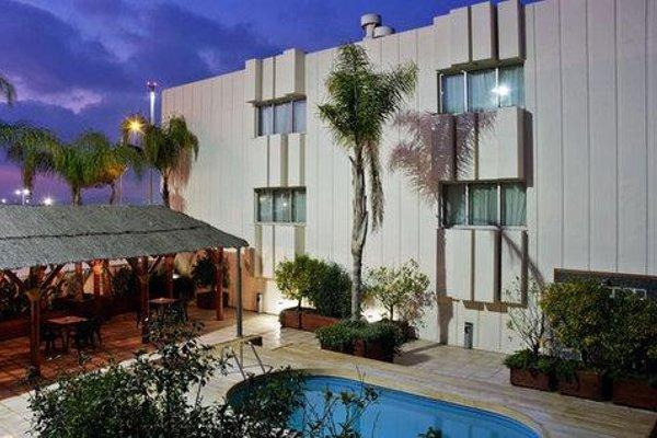 Tryp Valencia Azafata Hotel - фото 22