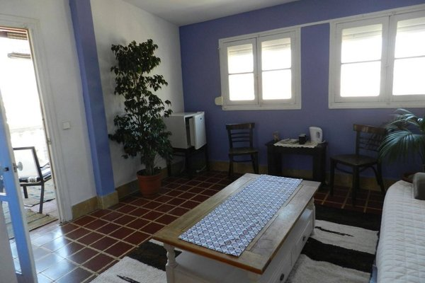 Villa Alicia Guest House - 19