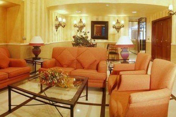 Hotel Sur Malaga - фото 6