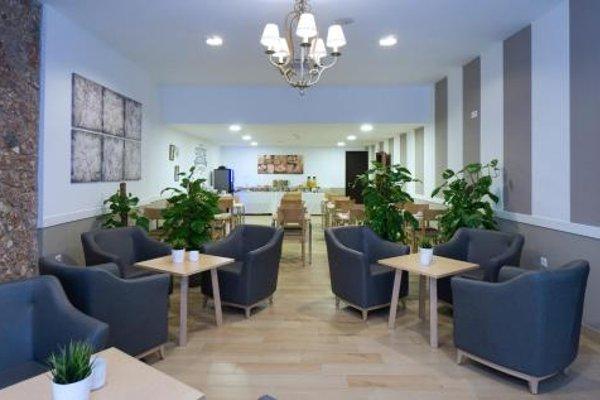 Hotel Sur Malaga - фото 8
