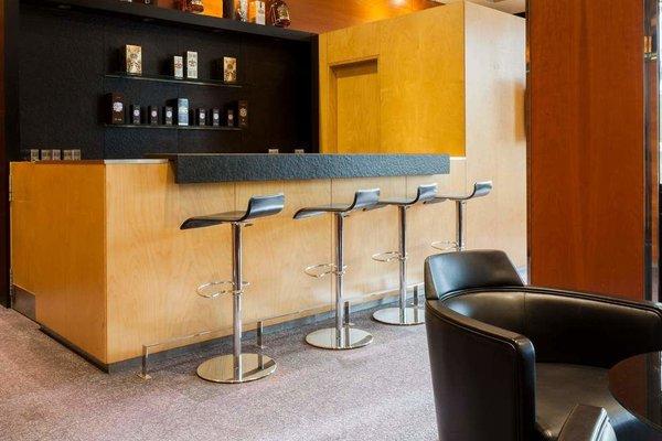 AC Hotel Malaga Palacio, a Marriott Lifestyle Hotel - фото 12