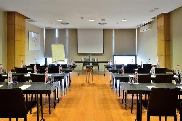 Tryp Malaga Alameda Hotel - фото 17