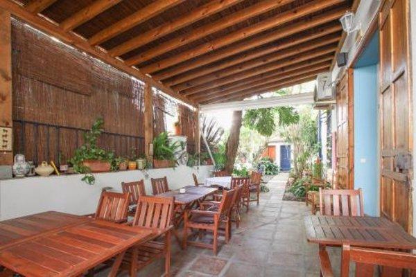 Las Acacias Hostal Restaurante - 17