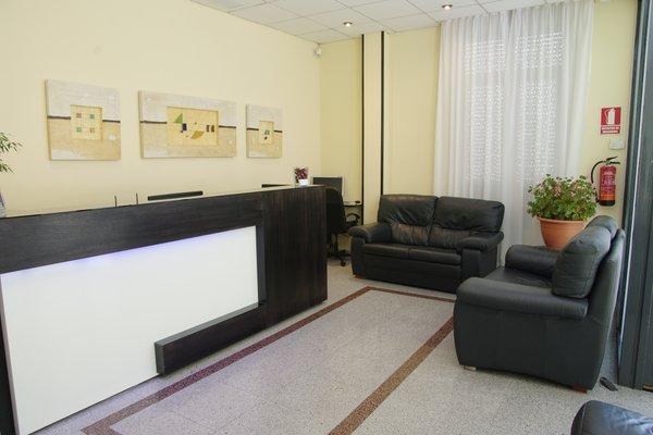Hotel Barajas Plaza - фото 14
