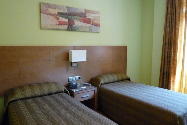 Hotel 4C Puerta Europa - фото 50