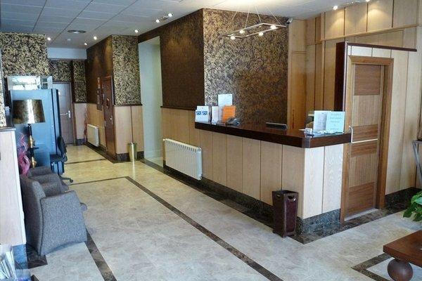 Hotel 4C Puerta Europa - фото 20