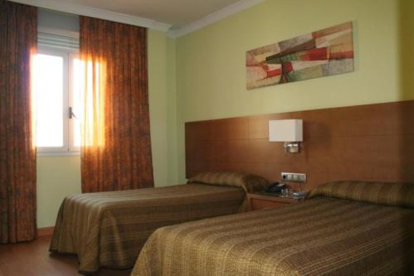Hotel 4C Puerta Europa - фото 8