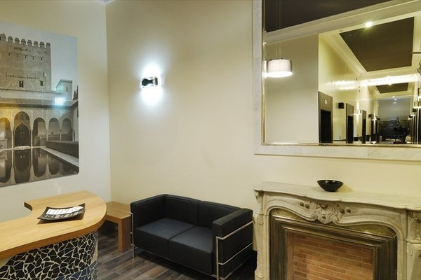 Hostal Alhambra Suites - 3