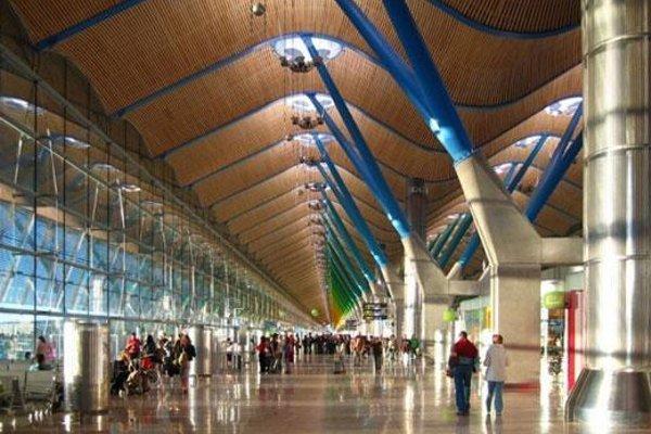 B&B Hotel Madrid Airport T1 T2 T3 - фото 15