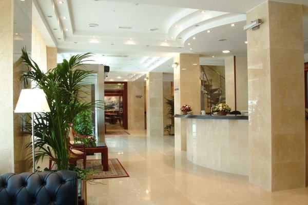 Hotel Gran Legazpi - фото 15
