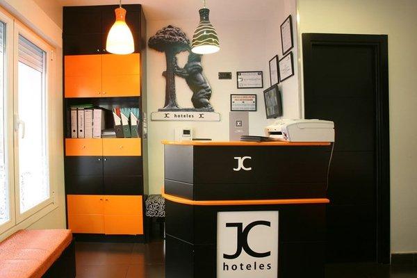 Jc Rooms Puerta Del Sol - 12