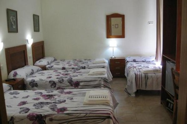 Hostal Tirso Plaza - 10