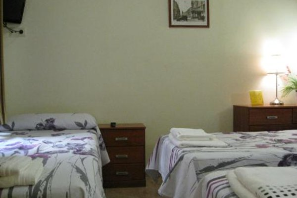Hostal Tirso Plaza - 9