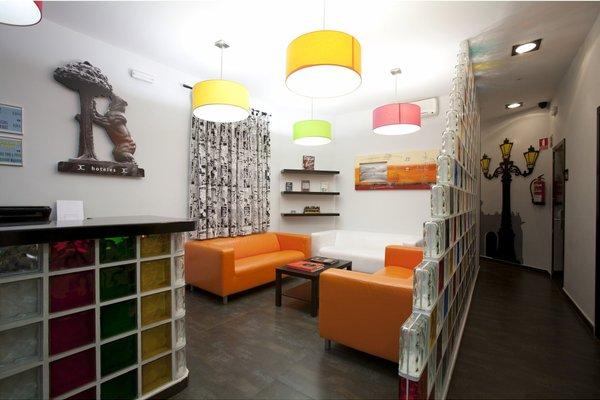 JC Rooms Santa Ana - 16