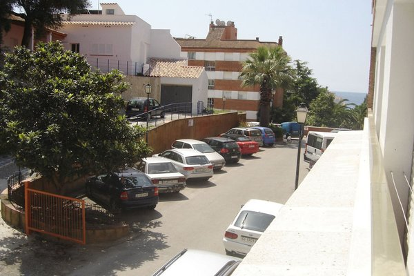 Apartaments Playas Fenals - фото 8