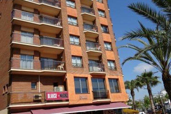 Apartamentos Blanco y Negro - фото 21