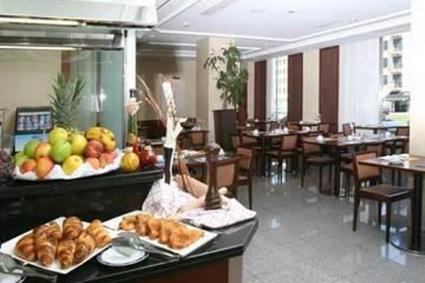 Tryp Leon Hotel - фото 13