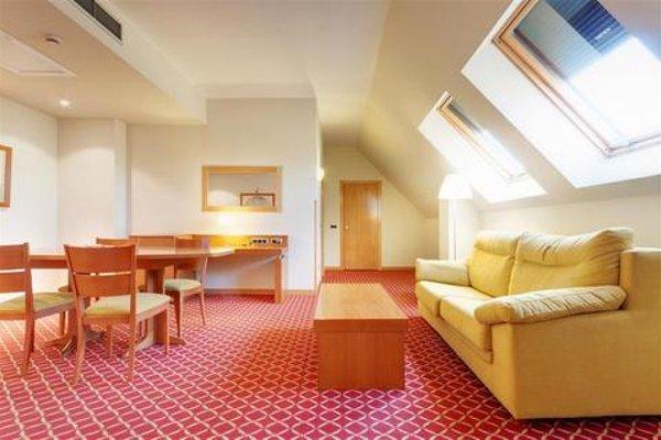 Tryp Leon Hotel - фото 17