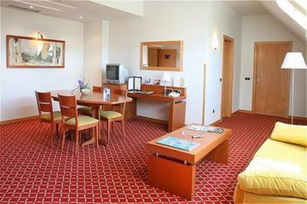 Tryp Leon Hotel - фото 5