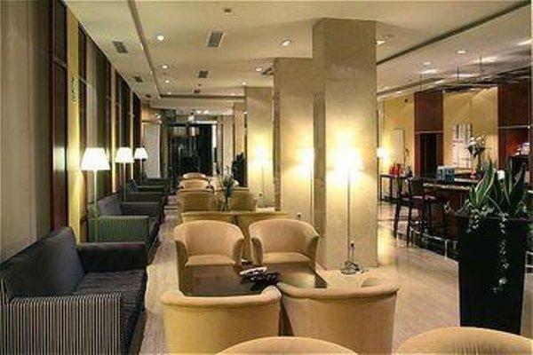 Tryp Leon Hotel - фото 7