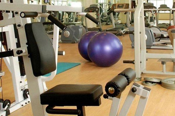 Oaks Liwa Heights Hotel Apartments - фото 17