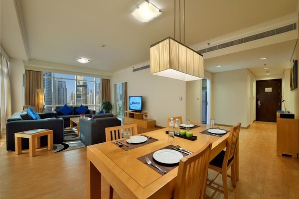 Oaks Liwa Heights Hotel Apartments - фото 9