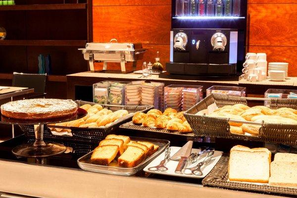 AC Hotel A Coruna, a Marriott Lifestyle Hotel - фото 12