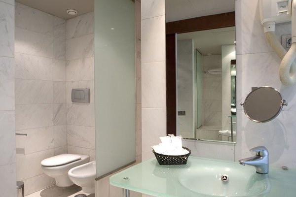 Eurohotel Barcelona Granvia Fira - фото 4