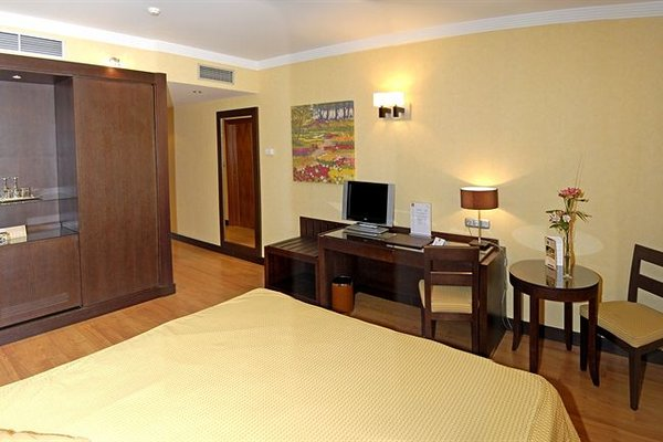 Occidental Granada by Barcelo Hotel Group - фото 7