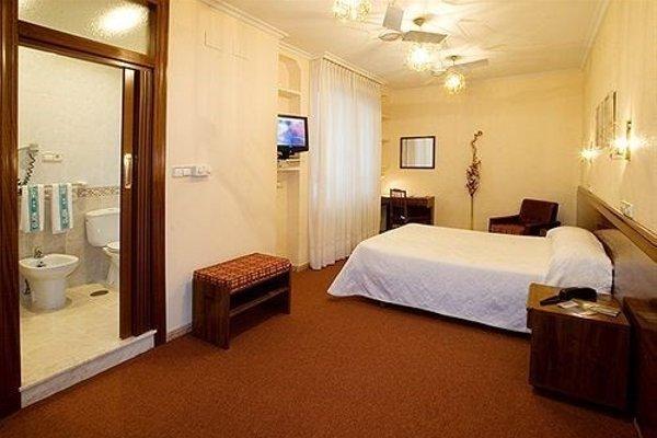 Hotel Castilla - 3