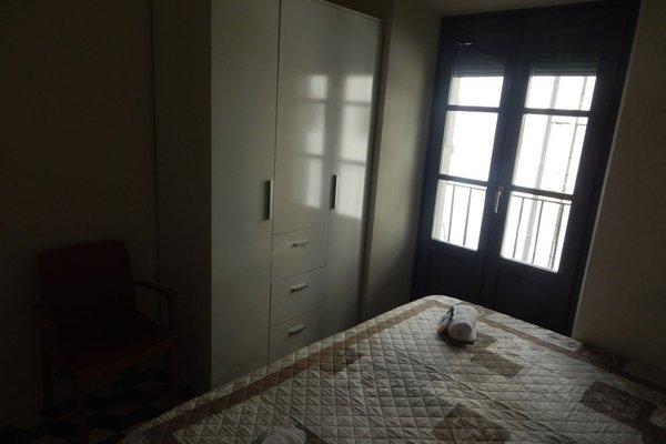 Girona Apartments - фото 3